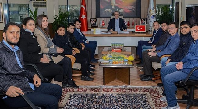 Başkan Özkan'a AK gençlerden ziyaret