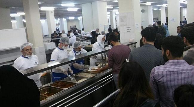 UÜ'de öğrencilere ücretsiz iftar