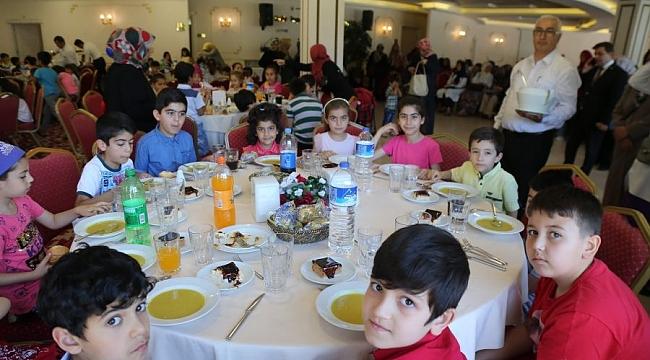 'Tekne orucu' tutan çocuklara iftar