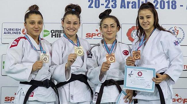 Genç judocudan gümüş madalya