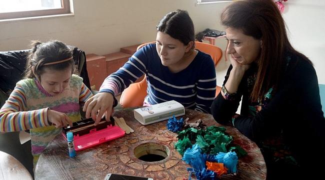 Osmangazi'den engelli öğrencilere el sanatları eğitimi