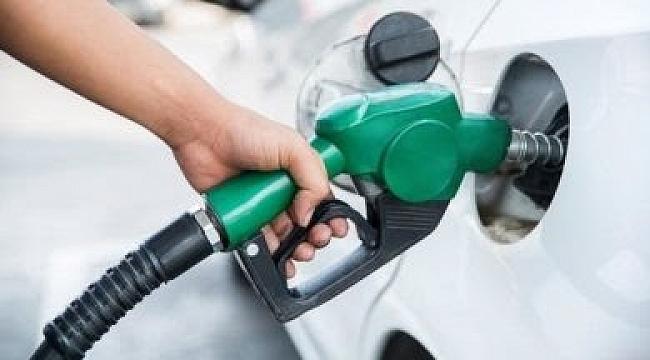 Benzine 8 kuruş zam geliyor