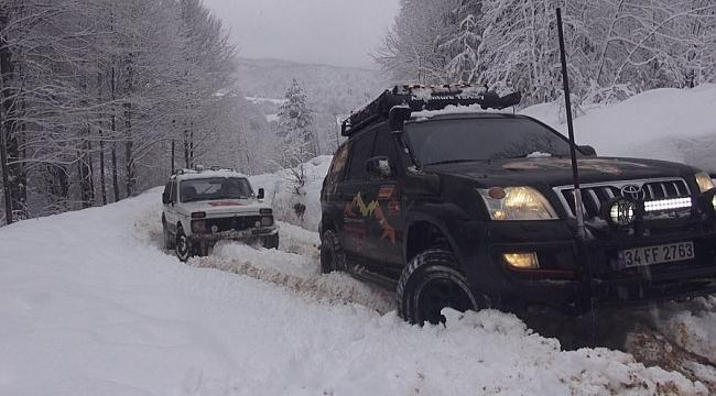 Off-road tutkunlarından kar safarisi