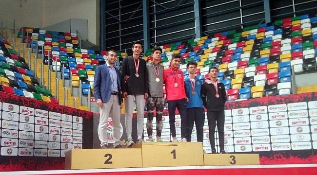 Osmangazili atletlerden 4 madalya