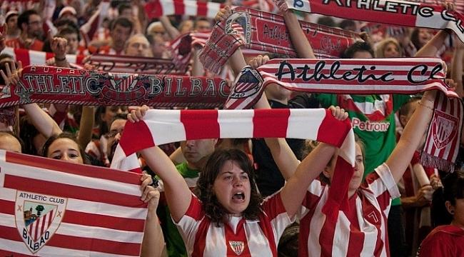 İspanya'da kadınlar futbol maçında seyirci rekoru kırıldı