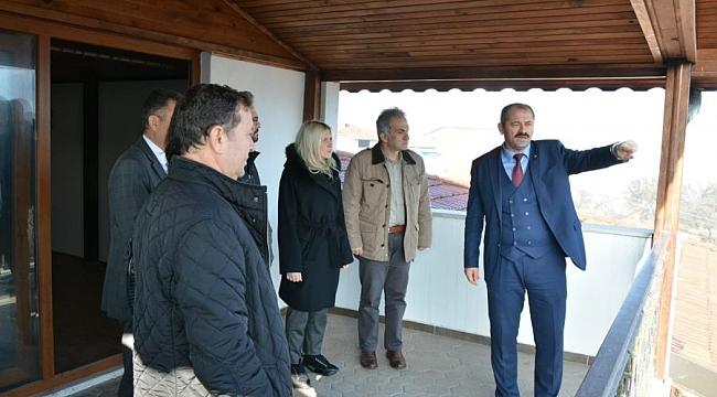 Başkan Aykurt konutunu kültür evine dönüştürüyor