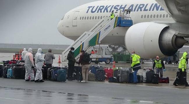 Kuveyt'ten 644 Türk işçi Türkiye'ye getirildi