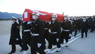 Şehit askerin cenazesi Kocaeli'ye getirildi